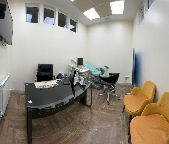 2ème Salle de consultation gynecologique